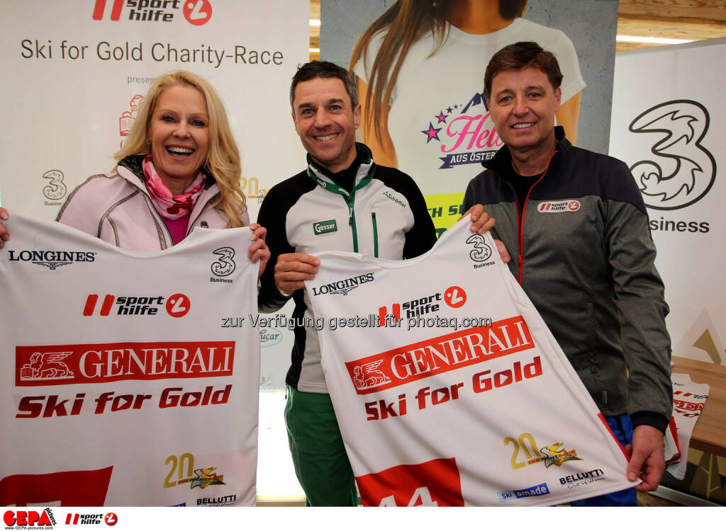 Ski for Gold Charity Race. Image shows Ulrike Kriegler, Thomas Reisenberger and managing director Harald Bauer (Sporthilfe). Photo: GEPA pictures/ Daniel Goetzhaber (26.01.2017)
