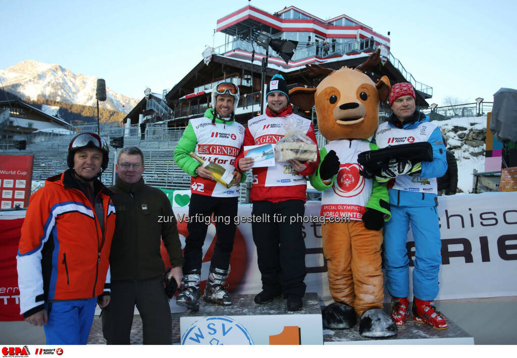 Ski for Gold Charity Race. Image shows managing director Harald Bauer (Sporthilfe), Hannes Zeichen, Thomas Praxmarer, Gilbert Thoeress and maskot Luis. Keywords: Special Olympics World Winter Games, SOWWG Austria 2017 preview. Photo: GEPA pictures/ Daniel Goetzhaber (26.01.2017)