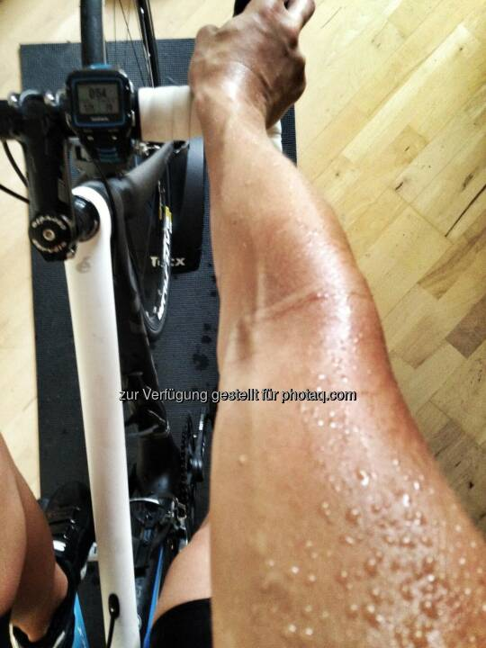 Schweiss, schwitzen, Training, Rad, Ergometer