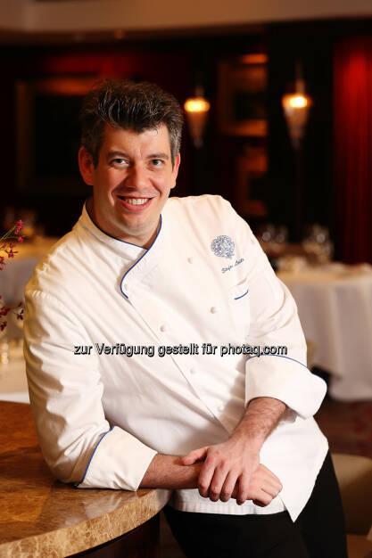 Stefan Leitner erhält die Goldene Cloche 2017© bei der Galanacht der Gastronomie© - Gastronomie Club Wien: Goldene Cloche 2017© (Fotocredit: Gastronomie Club Wien), © Aussender (17.02.2017)
