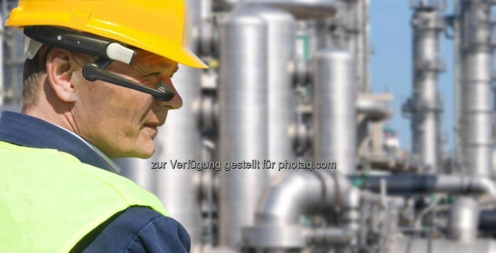BARCOTEC Vertriebs GmbH: Hersteller des ersten industriellen Head-Mounted Terminal (HMT-1) stellte eine neue Dimension des mobilen Arbeitens vor (Fotocredit: BARCOTEC), © Aussendung (17.02.2017)