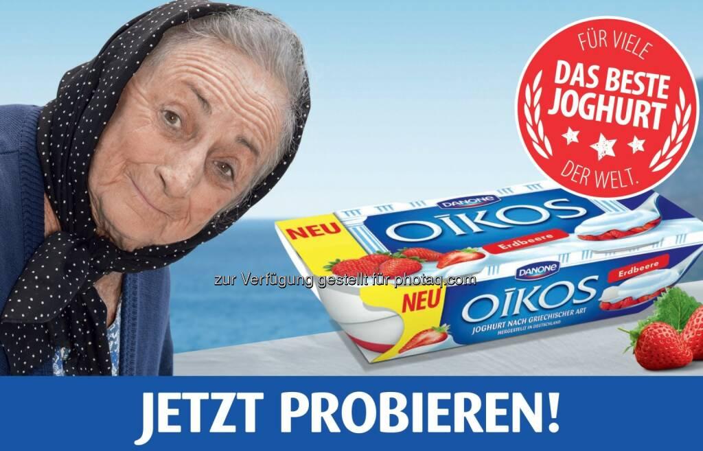 neue Markenbotschafterin von Oikos ist eine typisch griechische Oma - Danone Österreich GmbH: Markenrelaunch bei Oikos von Danone: Neue Sorte, Design und Markenbotschafterin (Fotocredit: Danone), © Aussendung (23.03.2017)