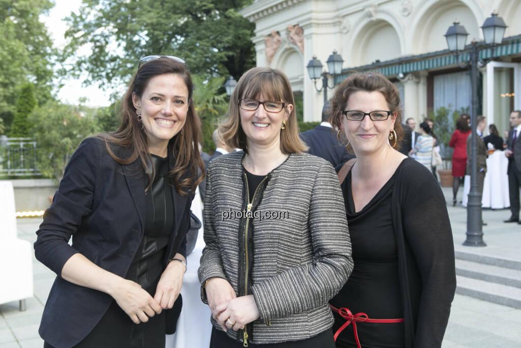 Milena Ioveva (Porr), Henriette Lininger (Wiener Börse), Bettina Pfluger (Der Standard), © finanzmarktfoto/Martina Draper (15.05.2013)