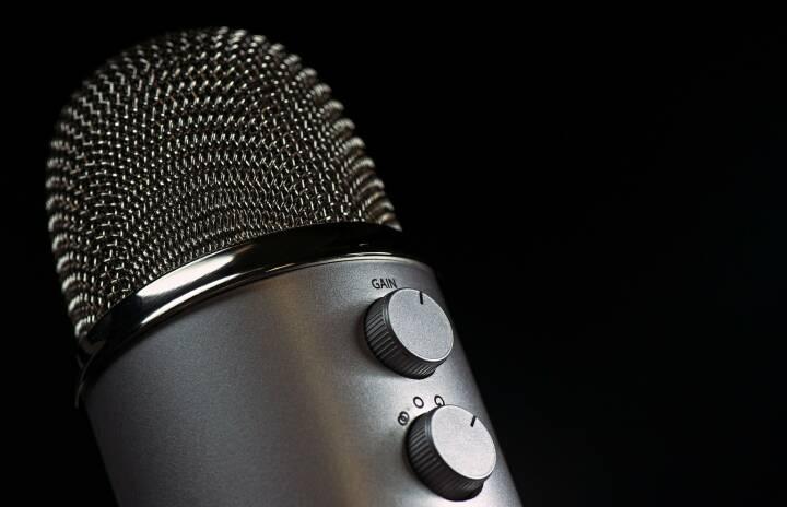 Interview, Gespräch, Job, Talk, Sitzung - (Bild: Pixabay/Fotocitizen https://pixabay.com/de/mikrofon-mic-vokal-medien-mike-1172260/ )