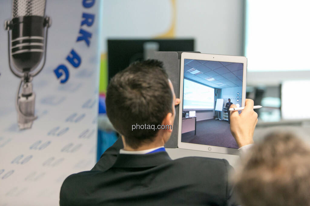 BSN Roadshow #69, ipad, Foto, © Martina Draper/photaq (27.04.2017)