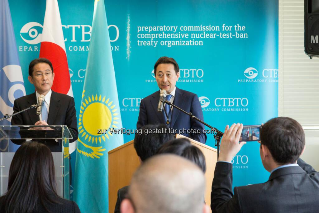 Japanische Außenminister Fumio Kishida und der kasachische Botschafter in Österreich Kairat Sarybay - Botschaft der Republik Kasachstan: Dringlicher Appell Kasachstans an die CTBTO (Fotocredit: CTBTO), © Aussender (05.05.2017)