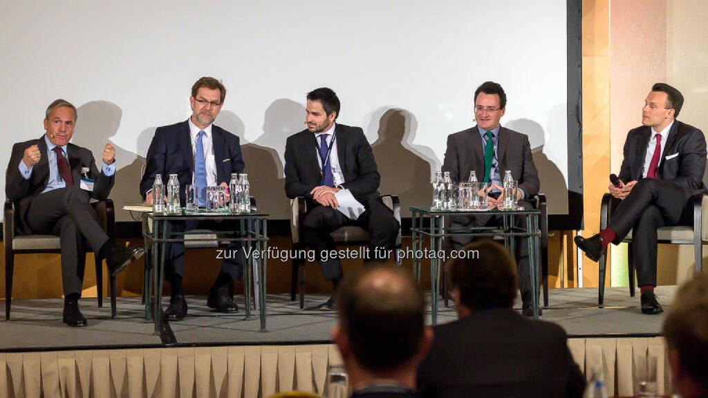 Dr. Adam Lessing, Vorstandsmitglied VAIÖ / AbgzNR Mag. Andreas Zakostelsky, ÖVP / Jakob Zirm, Die Presse / AbgzNR Matthias Köchl, Die Grünen / Dr. Christoph Boschan, Wiener Börse - 4. Finanzplaner Forum (Photo by Marko Kovic), © Aussender (11.05.2017)
