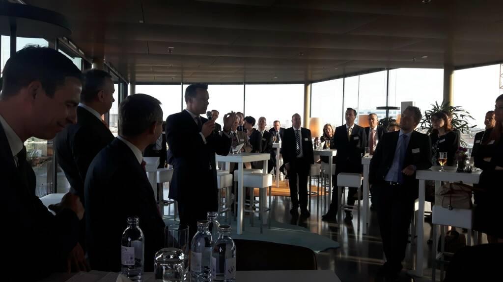 Wiener Börse / Christoph Boschan - über den Dächern Wiens hielt ich letzte Woche die Keynote beim Kapitalmarktabend von Erste Group und Wiener Börse . Die Experten der Erste Group referierten zu Zinsumfeld und Kapitalmarktfinanzierung. Eine gelungene Veranstaltung! (15.05.2017)