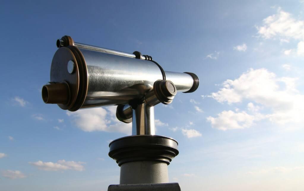 Ausblick, Preview, Teleskop, Rückblick, Review, Vorschau (Bild: Pixabay/mainblick https://pixabay.com/de/fernrohr-himmel-cyan-silbern-1583251/ ) (18.05.2017)