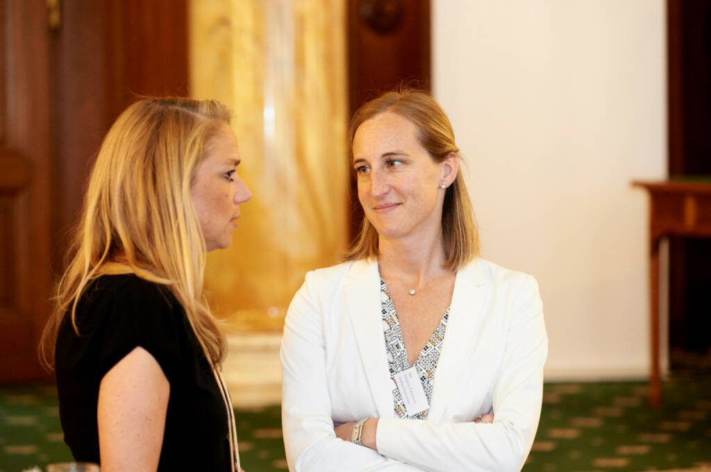 Elke Müller (Scholdan), Valerie Ferencic (ZFA), © Zertifikate Forum Austria (19.05.2017)