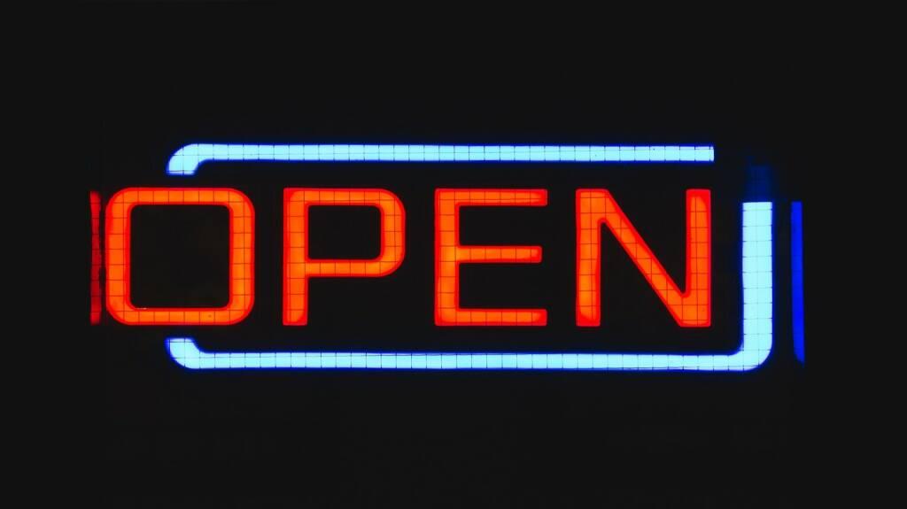 Offen, geöffnet, Chance, Möglichkeit, Open, Öffnung, Eröffnung (Bild: Pixabay/unsplash https://pixabay.com/de/anmelden-offen-neon-geschäft-1209759/ ) (23.05.2017)