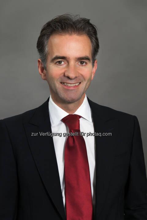 Dr. Martin Hagleitner (Vorstand) - Austria Email AG: Austria Email AG Bilanz 2016: Umsatz- und Ertragszuwachs trotz niedriger Sanierungsrate (Fotograf: Citronenrot / Koch / Fotocredit: Austria Email AG)