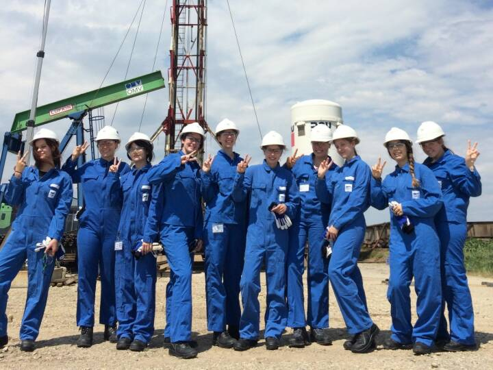 OMV It was a pleasure to have 10 Technikqueens as our guests at a production well of OMV Austria earlier this week. We hope the visit could strengthen their interest in succeeding a technical career.
