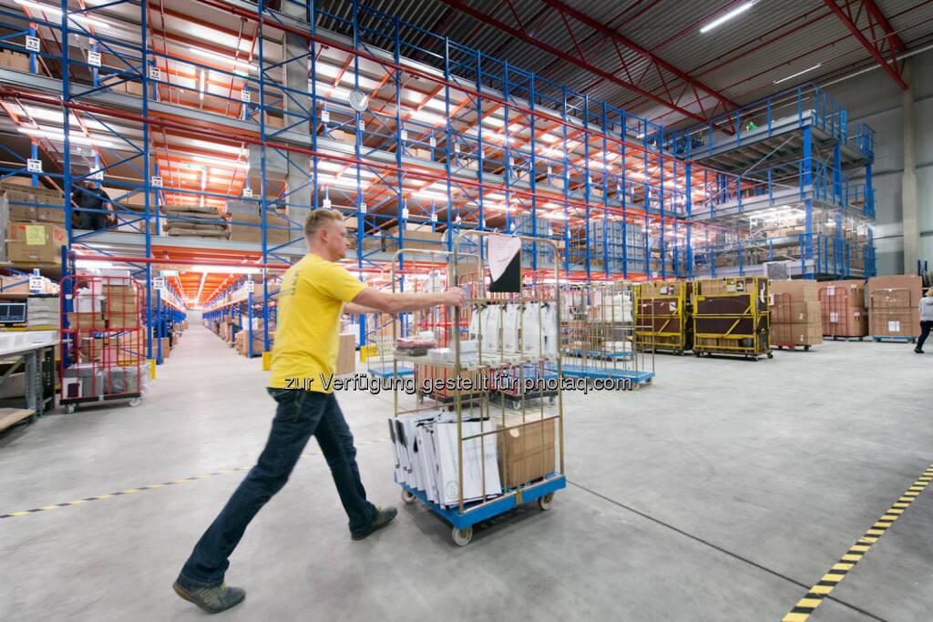 Mit einer Lagerfläche von 80.000 m2 und damit Europas größtem ITK Logistikzentrum, punktet Ingram Micro mit einer besonders hohen Verfügbarkeit der Ware - Ingram Micro Österreich: mySodapop setzt auf One-Stop-Shop (Fotocredit: Ingram Micro), © Aussender (19.06.2017)