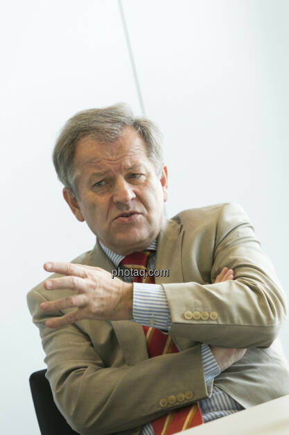 Eduard Zehetner (Immofinanz), ernst, © Martina Draper (15.12.2012)