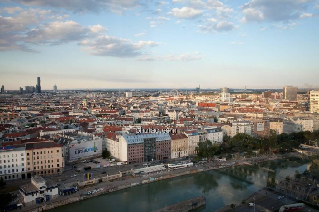 Wien, Häuser, Immobilien, Wolken, Donaukanal, © Michaela Mejta (04.07.2017)