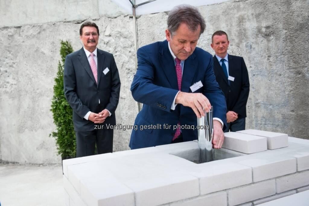 Eduard Zehnter: Grundsteinlegung für das Immofinanz-Bürogebäude Nimbus in Warschau , &copy; Immofinanz via <a href=