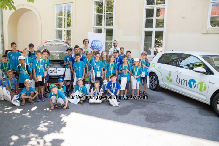 Klima- und Energiefonds: Heute stecke ich das Auto statt des Handys an die Steckdose! (Fotocredit: Klima- und Energiefonds/APA-Fotoservice/Juhasz)