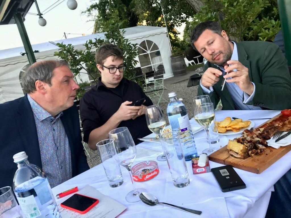 Hannes Roither (Palfinger) und ein Leser bringen Live-Inputs für Martin Foussek (Own Austria). Dieser setzt live um (26.07.2017)