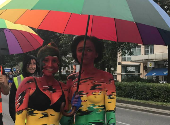 Regenbogenparade 2017 Wien: Regenschirm
