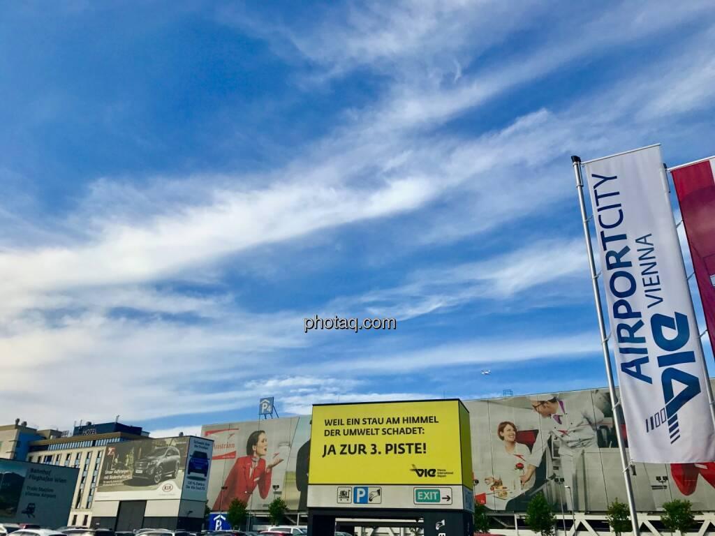 Ja zur 3. Piste, Flughafen Wien, Airport City, © photaq.com (30.07.2017)