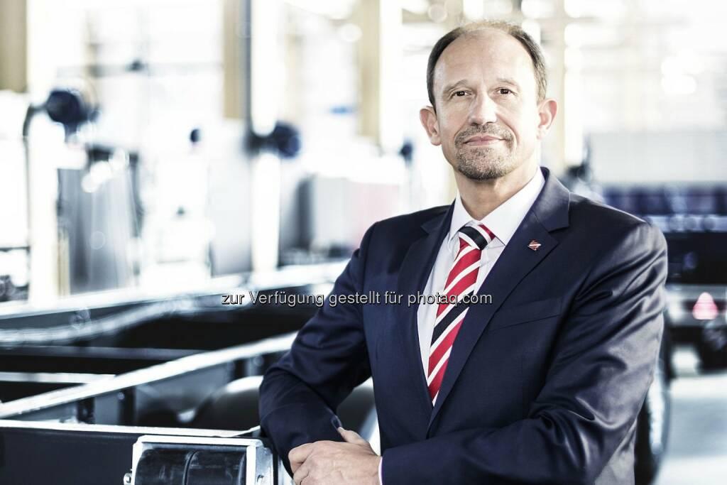 Roland Hartwig, seit 2016 CEO der Schwarzmüller Gruppe - Wilhelm Schwarzmüller GmbH: Umstellung auf Fließproduktion in allen drei Werken (Fotocredit: Schwarzmüller Gruppe), © Aussender (31.07.2017)