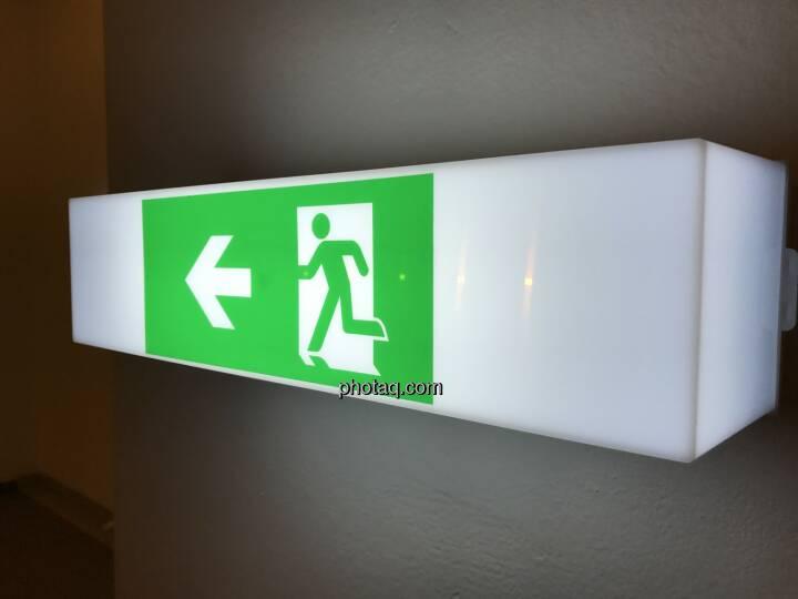 Exit, Flucht, Schluss, Ende, Abbruch, Ausgang, Laufen (Fotocredit: Michael J. Plos)