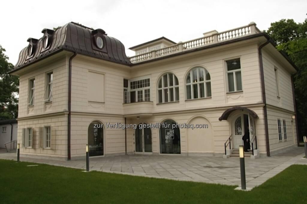 """""""Klimt-Villa"""" von außen (25.05.2013)"""