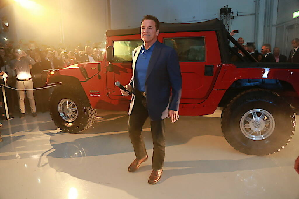 Arnold Schwarzenegger stellte am Dienstagabend den weltweit ersten elektrischen Hummer von Kreisel Electric anlässlich der Eröffnung des neuen Forschungs- und Entwicklungszentrums des Unternehmens in Rainbach im Mühlkreis, Oberösterreich, vor (Copyright Foto: Martin Hesz/Kreisel Electric) (20.09.2017)