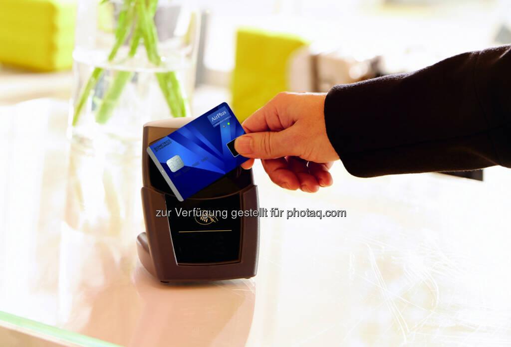 AirPlus International: AirPlus verkündet weltweit ersten erfolgreichen Einsatz von kontaktlosen biometrischen Bezahlkarten (Fotocredit: AirPlus), © Aussendung (21.09.2017)