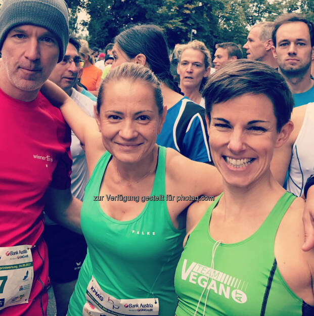 Am Start mit Zuckerl im Mund und neben Diana Berisha-Klusóczki und Maria Hinnerth (24.09.2017)