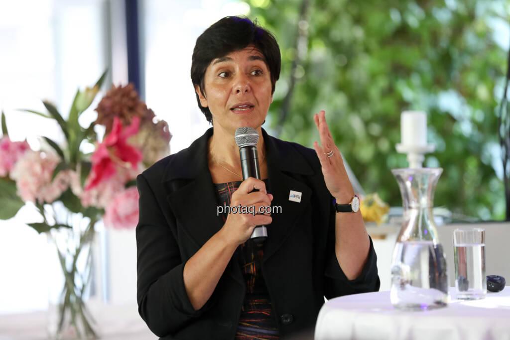 Carmen Nuzzo (UNPRI, Senior Consultant) - 4-your-biz Impact-Investing Konferenz (Fotocredit: Katharina Schiffl for photaq.com) (29.09.2017)
