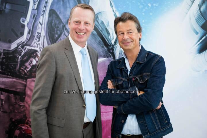 Friedrich Wachernig, Vorstand der S Immo AG und Multimedia Artist Peter Kogler (Fotocredit: S Immo)