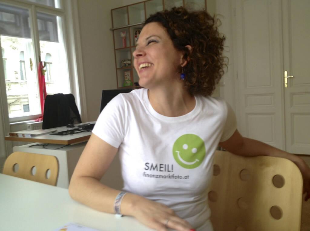 Social Smeil, Sabine Hoffmann, ambuzzador, mehr unter http://finanzmarktfoto.at/page/index/497 (27.05.2013)