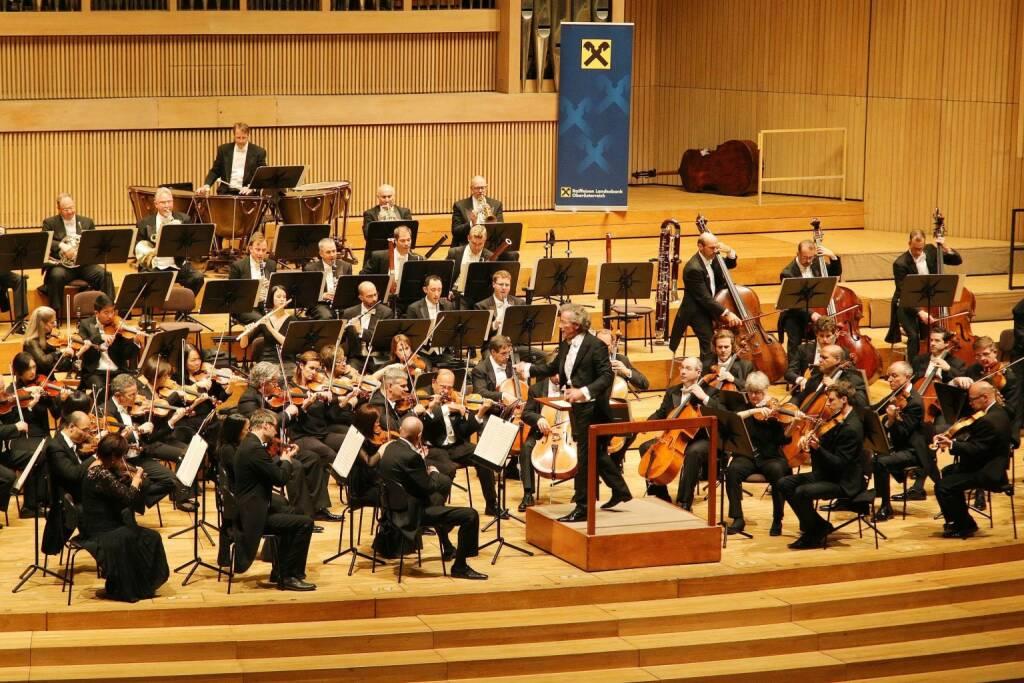 Stardirigent Franz Welser-Möst begeisterte mit dem Cleveland Orchestra im Linzer Brucknerhaus, Fotocredit: RLB OÖ / Strobl (16.10.2017)