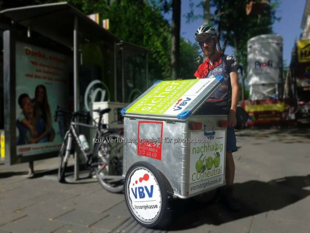 VBV Vorsorgekasse AG: VBV – Vorsorgekasse fördert grüne Mobilität (Fotocredit: Hermes RadbotInnen), © Aussender (18.10.2017)