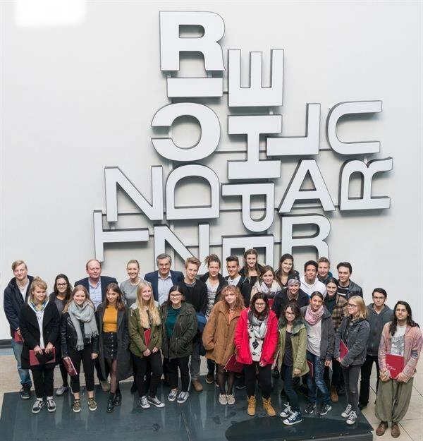 Reichl und Partner begleitet junge Talente 90 Absolventen der HTL1 für Grafik sowie deren Lehrer, erhielten am 11. Oktober 2017 spannende Einblicke in die Arbeitsweise der größten österreichischen Agentur. Bild: Reichl und Partner (18.10.2017)