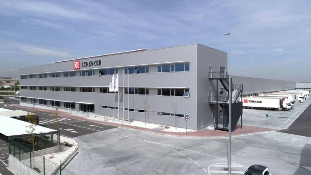 DB Schenker in Österreich: DB Schenker investiert 22 Millionen Euro in sein größtes Logistikzentrum in Madrid; Fotocredit:DB Schenker (10.11.2017)