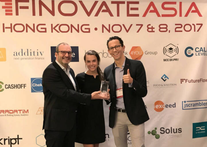 """YUKKA Lab AG, das FinTech-Startup für Realtime News-Analytics aus Berlin, gewinnt den """"Best of Show""""-Preis auf der FinovateAsia in Hong Kong. Foto: Yukka"""