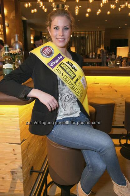 Miss Kärnten Tanja Doppelreiter erhielt in Sendung 1 die Gelbe Schärpe! (c) PULS 4 Harald Lachner (01.06.2013)