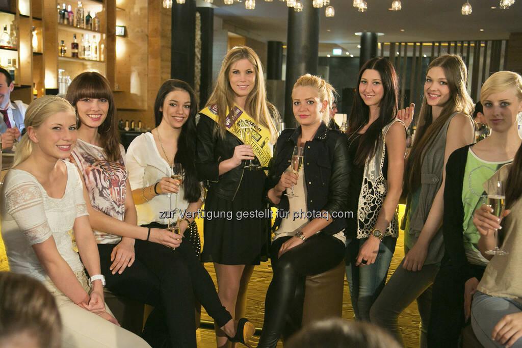 Miss Kärnten, Tanja Doppelreiter, mit weiteren Anwärterinnen zur Miss Austria 2013, (c) PULS 4 Nick Albert (01.06.2013)