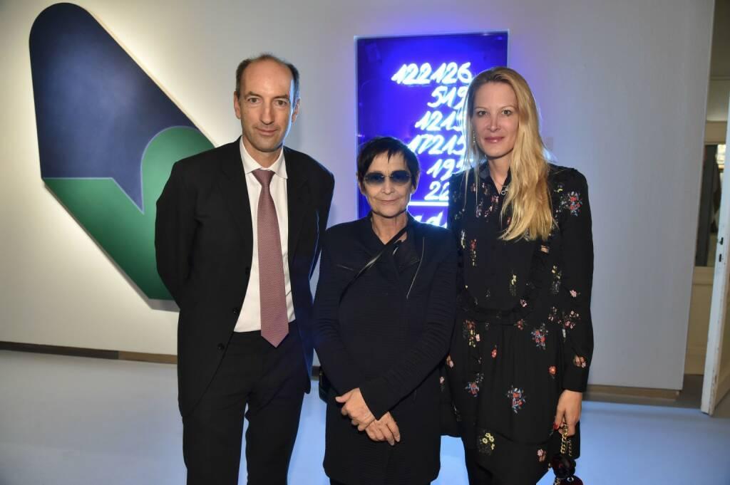 Herausgeber Christoph und Eva Dichand mit Künstlerin Brigitte Kowanz, © leisure.at/Christian Jobst (14.11.2017)