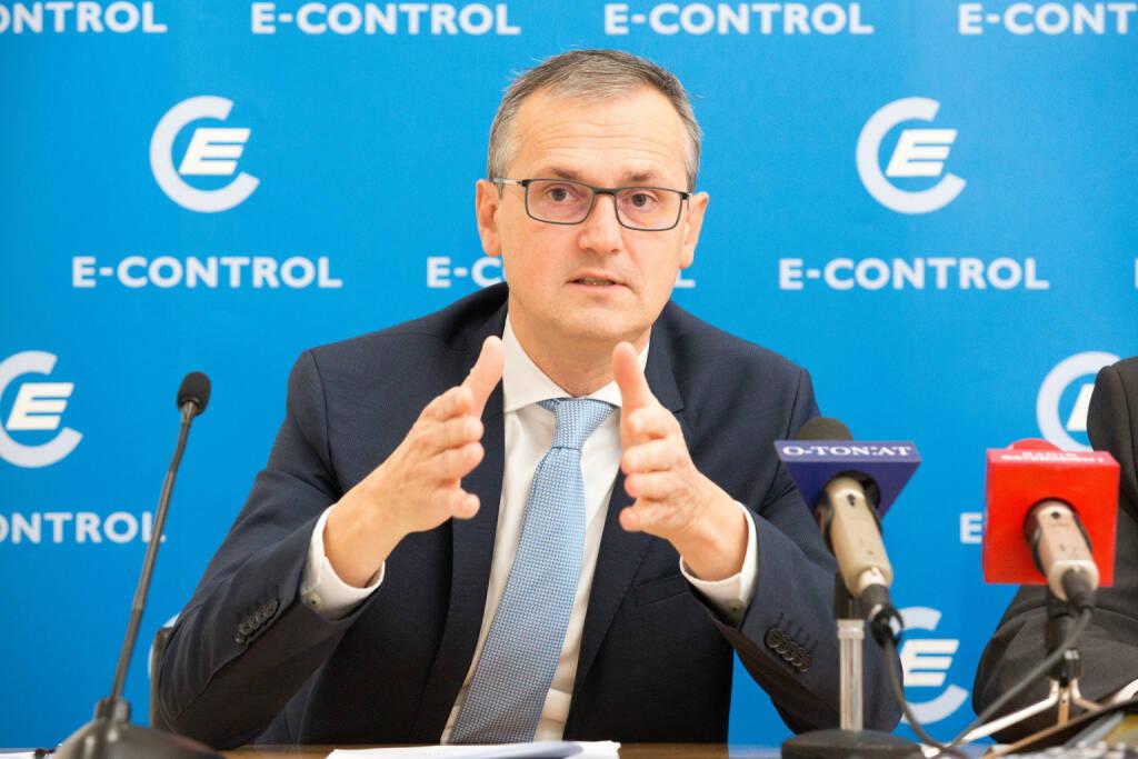 Energie-Control Austria: E-Control: Mehr als 263.000 Strom- und Gaskunden wechselten ihren Anbieter in den ersten neun Monaten, E-Control-Vorstand Wolfgang Urbantschitsch.Fotocredit:Georges Schneider, E-Control, © Aussender (28.11.2017)