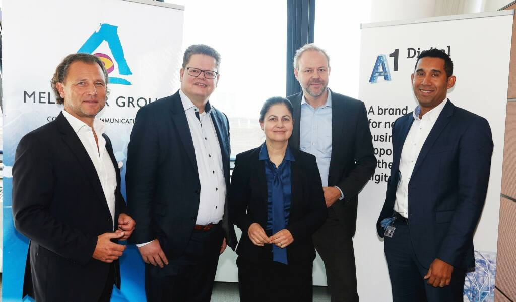 "Im Rahmen der 15. Ausgabe des von Fraunhofer Austria, Capgemini, NTT DATA sowie Melzer PR initiierten Executive Formats ""Chefsache Industrie 4.0"" präsentierten A1 Digital und Software AG cloud-basierte Lösungen für digitales Asset Management in Wien. v.l.n.r.: Rudolf Melzer (Melzer PR Group) mit Oliver Edinger (Software AG), Elisabetta Castiglioni (A1 Digital), Gerald Friedberger (Software AG) und Francis Cepero (A1 Digital). Copyright: Melzer PR Group, © Aussender (28.11.2017)"