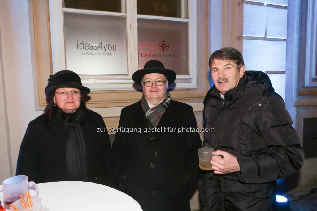 Yvette & Gregor Rosinger, Ernst Vejdovszky, © Wiener Börse/APA-Fotoservice (01.12.2017)