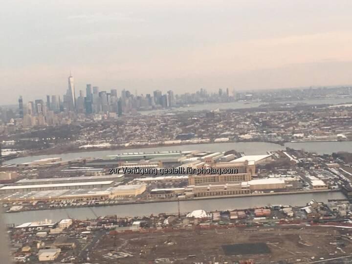 Flug über Manhattan