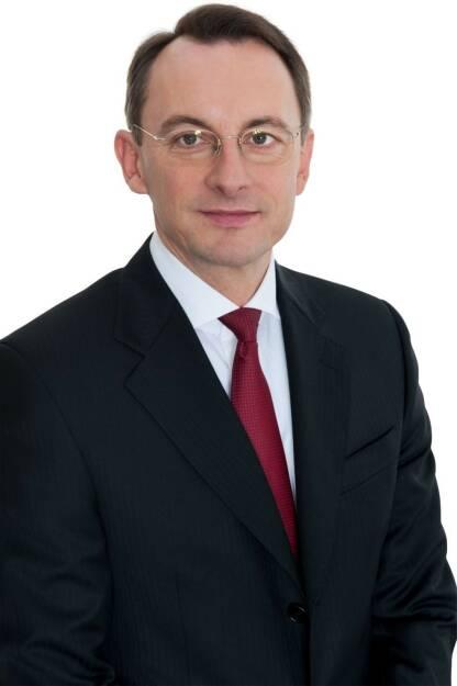 PwC Österreich: PwC: Paying Taxes 2018 - Österreich im internationalen Steuerwettbewerb auf Platz 39 von 190 Volkswirtschaften; Gesamtsteuerrate von 51,8 Prozent dennoch weit über dem EU-Durchschnitt von 39,6 Prozent; Fotocredit: PwC Österreich, © Aussender (12.12.2017)