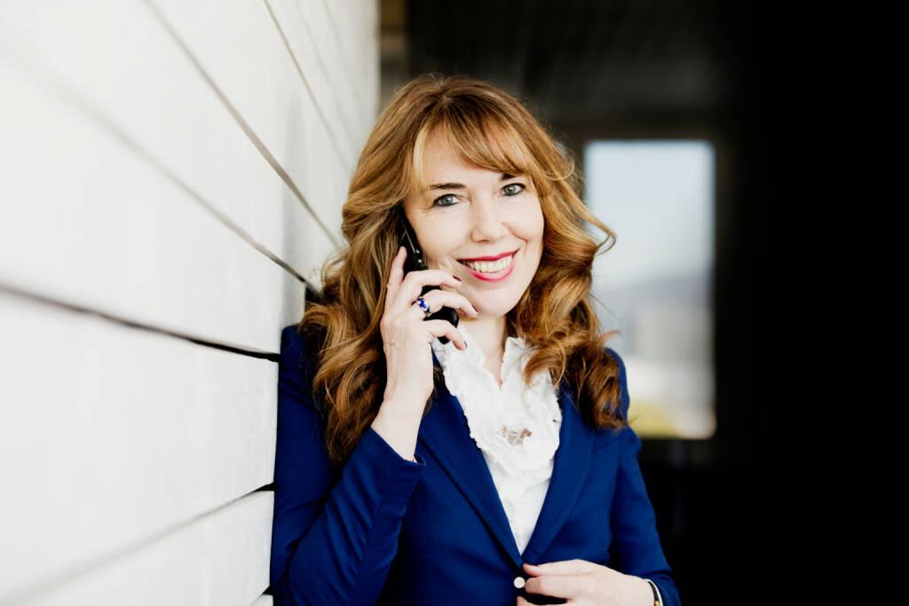 """emporia Telecom GmbH & Co. KG: emporia bringt ein Smartphone für alle auf den Markt, Emporia-Eigentümerin Eveline Pupeter """"Wir haben unser Smartphone aufgeräumt. Einfach ist das neue smart."""" Bild: emporia Telecom, © Aussendung (15.12.2017)"""