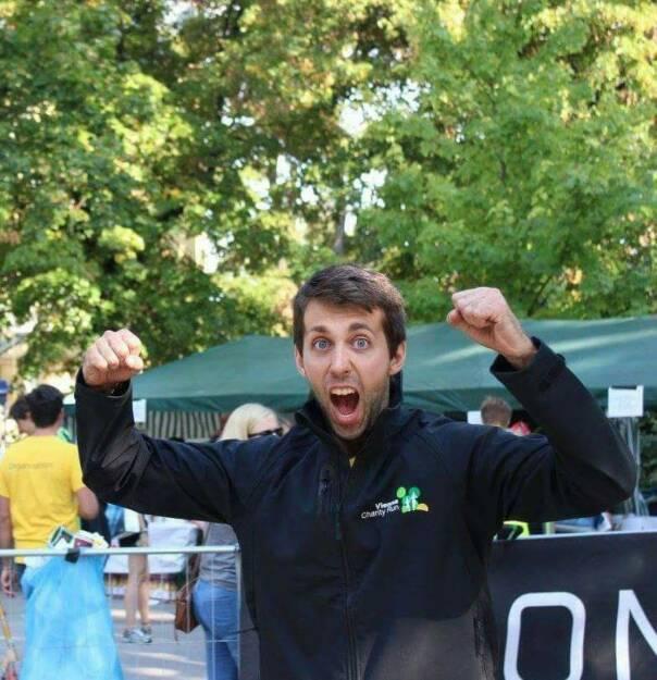 Christoph Vetchy Sportschnappschuss 2017 Der Moment beim diesjährigen Vienna Charity Run, als wir gemeinsam mit 1500 Läufern, einen neuen Spendenrekord von 26.104,37€ erzielt haben und somit wieder vielen Kindern im Kinderhospiz Sterntalerhof, die vom Schicksal benachteiligt sind, helfen und ein Lächeln in ihr Gesicht zaubern können. (26.12.2017)