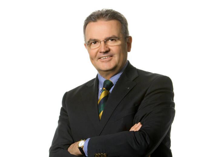 """D.A.S.: Feuerwerksraketen nur mit CE-Kennzeichnung erlaubt. Die Rechtsschutzversicherung empfiehlt auf die """"F-Kategorisierung"""" und CE-Kennzeichnung zu achten. Verboten sind die Verwendung und der Besitz von """"Schweizer Krachern"""", die einen Blitzknallsatz enthalten. Bei Verletzung der Gesetze drohen Strafen bis zu 3.600 Euro, erklärt Johannes Loinger, Vorstandsvorsitzender der D.A.S. Rechtsschutz AG; Quelle: D.A.S./ Foto Wilke"""